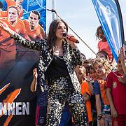 20190523 Maan lanceert lied voor OranjeLeeuwinnen