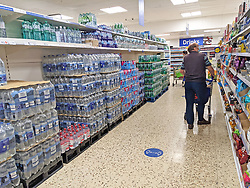 © Licensed to London News Pictures 08/10/2021.<br /> Sidcup, UK, Shelves full of bottled water at this Tesco store in Sidcup, South East London. Toilet roll and packaging shortage fear as the price of gas could cause supply problems to suppermarkets. Photo credit:Grant Falvey/LNP