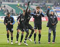 Fotball<br /> Bundesliga 2005/2006<br /> Foto: Witters/Digitalsport<br /> NORWAY ONLY<br /> <br /> Schlussjubel HSV v.l. Sergej Barbarez, Sascha Kirschstein, Naohiro Takahara, Nigel de Jong, Khalid Boulahrouz, Thimothee Atouba, Bastian Reinhardt, Benjamin Lauth<br /> Bundesliga VfL Wolfsburg - Hamburger SV 0:1