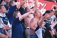 Strømsgodset-fans. Lyn - Strømsgodset 2-0. 1. divisjon 2000. 29. juli 2000. (Foto: Peter Tubaas/Fortuna Media)