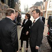NLD/Naarden/20070406 - Mattheus Passion 2007, ankomst van premier Jan Peter Balkenende en partner Bianca Hoogendijk, verwelkomt door burgmeester Peter Rehwinkel