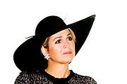 Koningin Maxima in een Zara jurk die EUR 49,95. Koningin Maxima pent de Europese verpleeghuis voor ouderen congres tijdens de vergadering, getiteld De zorg voor ouderen: Hoe kunnen we de juiste dingen doen, toch? in De Doelen in Rotterdam<br /> <br /> Queen Maxima in a Zara dress EUR 49.95. Queen Maxima pent European nursing home for the elderly conference during the meeting, entitled Caring for the elderly: How can we do the right things, right? De Doelen in Rotterdam
