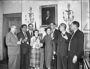 23/05/1958<br /> 05/23/1958<br /> 23 May 1958<br /> <br /> Guinness Special - Guinness Group enjoying a drink