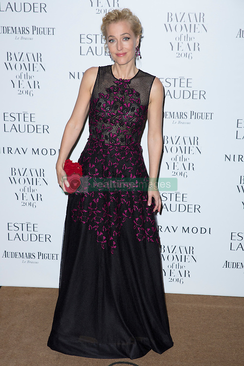 Gillian Anderson attending the Harper's Bazaar Woman of the Year awards at Claridges in London. Picture date: Monday October 31, 2016. Photo credit should read: Isabel Infantes / EMPICS Entertainment.