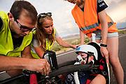 De VeloX 7 met Aniek Rooderkerken tijdens de derde racedag. Het Human Power Team Delft en Amsterdam, dat bestaat uit studenten van de TU Delft en de VU Amsterdam, is in Amerika om tijdens de World Human Powered Speed Challenge in Nevada een poging te doen het wereldrecord snelfietsen voor vrouwen te verbreken met de VeloX 7, een gestroomlijnde ligfiets. Het record is met 121,44 km/h sinds 2009 in handen van de Francaise Barbara Buatois. De Canadees Todd Reichert is de snelste man met 144,17 km/h sinds 2016.<br /> <br /> With the VeloX 7, a special recumbent bike, the Human Power Team Delft and Amsterdam, consisting of students of the TU Delft and the VU Amsterdam, wants to set a new woman's world record cycling in September at the World Human Powered Speed Challenge in Nevada. The current speed record is 121,44 km/h, set in 2009 by Barbara Buatois. The fastest man is Todd Reichert with 144,17 km/h.