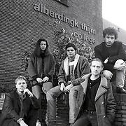 NLD/Hilversum/19930108 - A.Thijmcollege optreden Bettie Goes Green uit Belgie