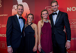 21-12-2016 NED: Sportgala NOC * NSF 2016, Amsterdam<br /> In de Amsterdamse RAI vindt het traditionele NOC NSF Sportgala weer plaats / Het beachvolleybalduo Alexander Brouwer en Robert Meeuwsen zijn genomineerd voor 'Sportploeg van het Jaar 2016' met partners Hanneke van Wijngaarden (l) en Juliëtte Mol