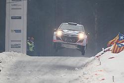 08.02.2014, Hagfors, Karlstad, SWE, FIA, WRC, Schweden Rallye, Tag 4, im Bild Juho Haenninen/Tomi Tuominen (Hyundai Motorsport/i20 WRC), Action / Aktion, Sprung, Jump // during Day 4 of the FIA WRC Sweden Rally at the Hagfors in Karlstad, Sweden on 2014/02/08. EXPA Pictures © 2014, PhotoCredit: EXPA/ Eibner-Pressefoto/ Bermel<br /> <br /> *****ATTENTION - OUT of GER*****