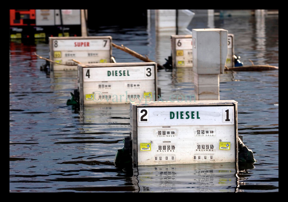 5th Sept, 2005. Hurricane Katrina aftermath. New Orleans. Murky water in Uptown New Orleans. Chemical pollution spills into the water.