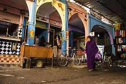 December 8, 2015 - Morocco - Woman in the bazaar of Rissani (Credit Image: © Dani Salv/VW Pics via ZUMA Wire)