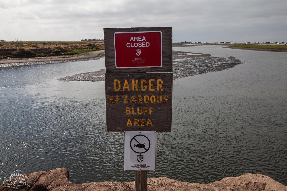 Dangerous bluffs sign, Bolsa Chica Ecological Reserve, Orange County, California, USA