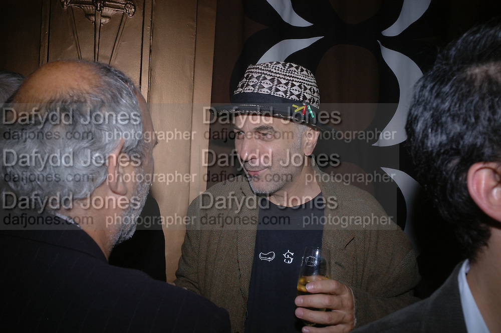 Alan Yentob and Ron Arad. Jay Jopling and White Cube host a post Frieze opening party at Sketch. London. 20 October 2005. ONE TIME USE ONLY - DO NOT ARCHIVE © Copyright Photograph by Dafydd Jones 66 Stockwell Park Rd. London SW9 0DA Tel 020 7733 0108 www.dafjones.com
