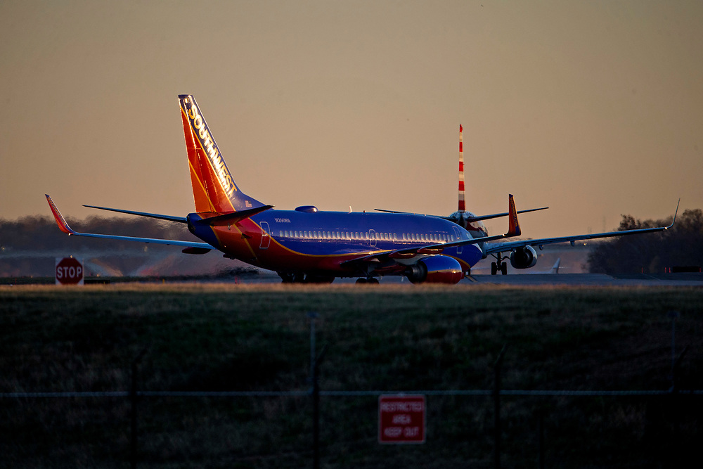 Nov 11, 2016; Washington, DC , USA; Airliners arrive and depart from Ronald Reagan International Airport (DCA). Mandatory Credit: Peter J. Casey