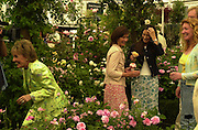 Esther Rantzen, Duchess of Northumberland, Rachel de thame and Charlie Dimmock. Chelsea Flower Show press preview day. 21 <br />May 2001 . © Copyright Photograph by Dafydd Jones 66 Stockwell Park Rd. London SW9 0DA Tel 020 7733 0108 www.dafjones.com