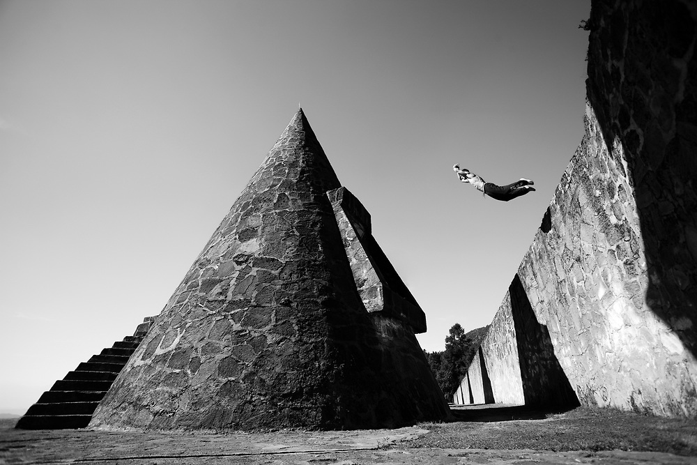 Chase Armitage performs a big jump at the Centro Ceremonial Otomi. <br /> This image was Red Bull Illume finalist in 2009.<br /> Client/Project: Altius / Desafío Mexiquense