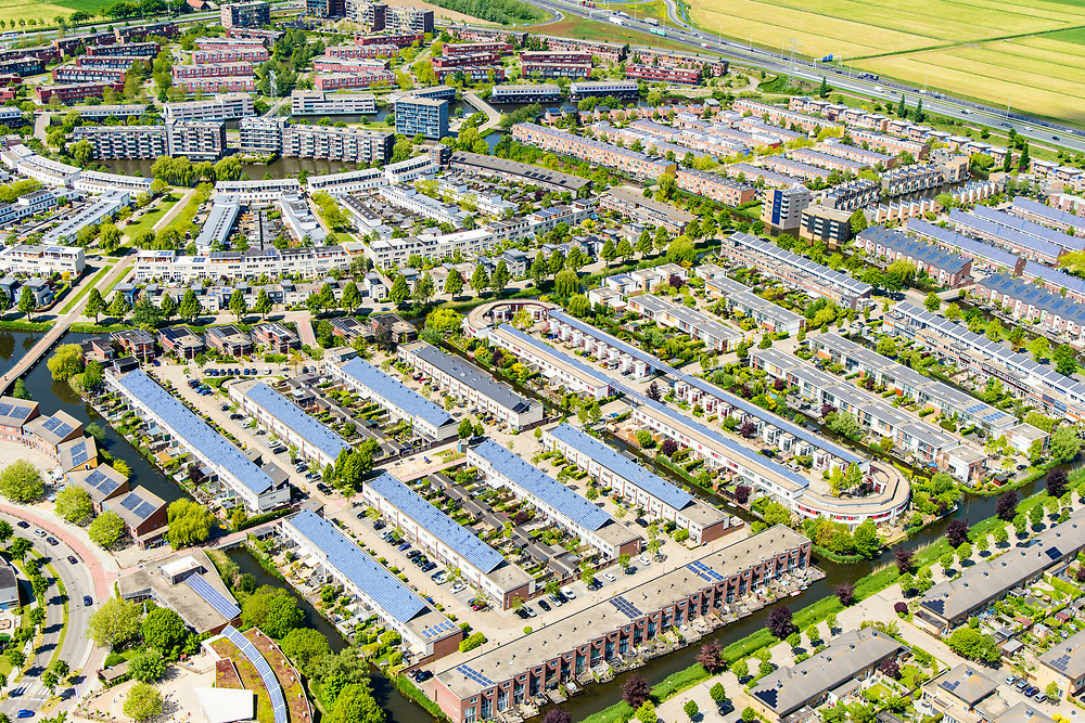 Nederland, Utrecht, Gemeente Amersfoort, 13-05-2019; de wijk Nieuwland, Vinex-locatie. De nieuwbouwwijk ligt ten noorden van Amersfoort op het grondgebied van de voormalige gemeente Hoogland.<br /> Residential area Nieuwland.<br /> luchtfoto (toeslag op standard tarieven);<br /> aerial photo (additional fee required);<br /> copyright foto/photo Siebe Swart