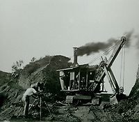 1923 Construction of Hollywoodland