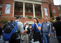 Cricket - 2017 South Africa Tour of England - Third Test, Day One<br /> <br /> Free Water bottles are handed out to the crowd at the main entrance before the match during the morning session, at The Oval.<br /> <br /> COLORSPORT/ANDREW COWIE