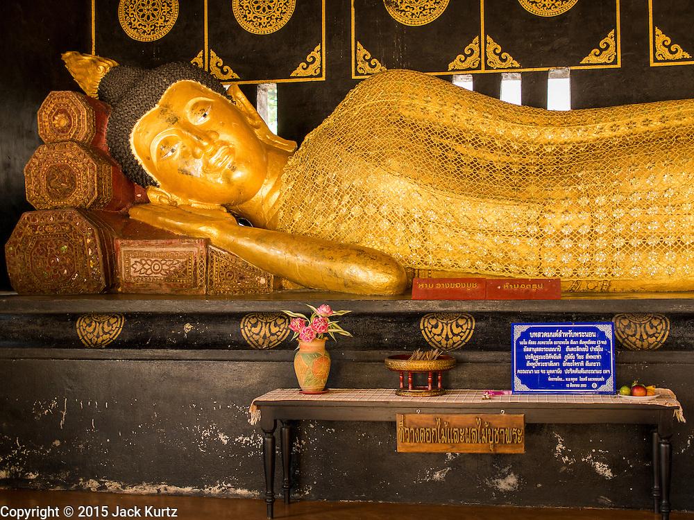 03 APRIL 2015 - CHIANG MAI, CHIANG MAI, THAILAND: A reclining Buddha statue at Wat Chedi Luang in Chiang Mai, Thailand.      PHOTO BY JACK KURTZ
