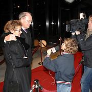 NLD/Hilversum/20061201 - Opening Nederlands Instituut voor Beeld en Geluid, Joop van der Ende en partner Janine Klijberg worden geinterviewd