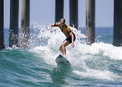 August 5, 2018 - Los Angeles, California, U.S - Stephanie Gilmore competes in the semifinals at the Vans US Open of Surfing on August 5, 2018 in Huntington Beach, California. (Credit Image: © Ringo Chiu via ZUMA Wire)