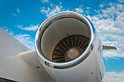 Engine inlet and nacelle of a Challenger 604.