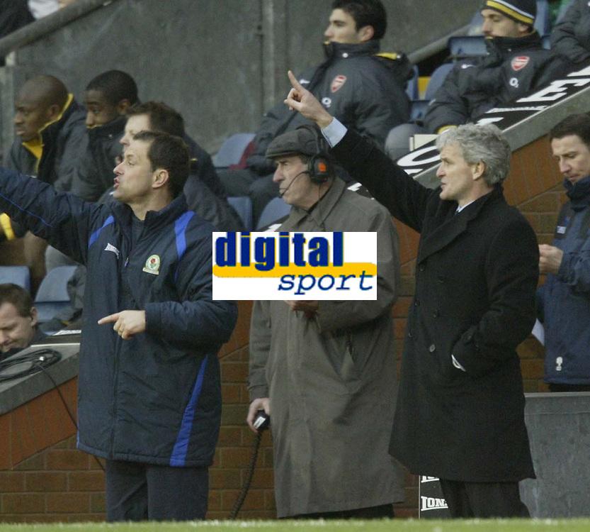 Photo: Aidan Ellis.<br /> Blackburn Rovers v Arsenal. The Barclays Premiership. 25/02/2006.<br /> Blackburn's Mark Hughes gives out instructions