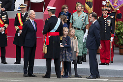 12.10.2015, Madrid, Madrid, ESP, Spanischer Nationalfeiertag, Royals, im Bild King Felipe VI of Spain, Princess Sofia of Spain, Princess Leonor of Spain, Queen Letizia of Spain and President of the Goberment of Spain Mariano Rajoy // during the celebration of the Spanish National Day military parade in Madrid in Madrid, Spain on 2015/10/12. EXPA Pictures © 2015, PhotoCredit: EXPA/ Alterphotos/ Victor Blanco<br /> <br /> *****ATTENTION - OUT of ESP, SUI*****