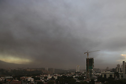 SAN JOSE, Sept. 20, 2016 (Xinhua) -- The city of San Jose is shrouded with volcanic ash as the Turrialba volcano erupts, in Costa Rica, Sept. 19, 2016. Turrialba has been undergoing a period of intermittent activity since late 2015, having erupted various times and blanketing parts of Costa Rica with ash. (Xinhua/Wang Pei) (wjd) (Credit Image: © Wang Pei/Xinhua via ZUMA Wire)