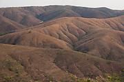 Lagamar_MG, Brasil...Paisagem com Montanhas em Largamar, Minas Gerais...Landscape with mountains in Largamar, Minas Gerais. ..Foto: LEO DRUMOND / NITRO