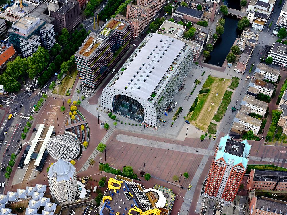 Nederland, Zuid-Holland, Rotterdam; 14-05-2020; Rotterdam Blaak en Markthal met omgeving (Dominee Jan Scharpstraat, Hoogstraat, Kolk, Binnenrotte): het is zeer rustig  op straat ten gevolge van de 'intelligente lockdown' en de corona crisis. Weinig publiek.<br /> City centre, Market hall and environment, it is very quiet on the street due to the 'intelligent lockdown' and the corona crisis.<br /> <br /> luchtfoto (toeslag op standard tarieven);<br /> aerial photo (additional fee required)<br /> copyright © 2020 foto/photo Siebe Swart
