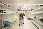 JoB0094663 . Daily Telegraph <br /> <br /> DT News<br /> <br /> Shoppers this morning in a Tesco superstore  .<br /> <br /> London 18 March 2020