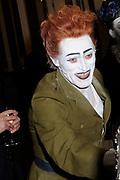 Hare Majesteit Koningin Beatrix wasvrijdagavond 22 juni in het Koninklijk Theater Carré in Amsterdam de première bij van de voorstelling The Life and Death of Marina Abramovic, als onderdeel van het Holland Festival. //// Her Majesty Queen Beatrix wasvrijdagavond 22 June in the Royal Theatre Carré in Amsterdam at the premiere of the show The Life and Death of Marina Abramovic, as part of the Holland Festival.<br /> <br /> Op de foto / On the photo: WIllem Dafoe