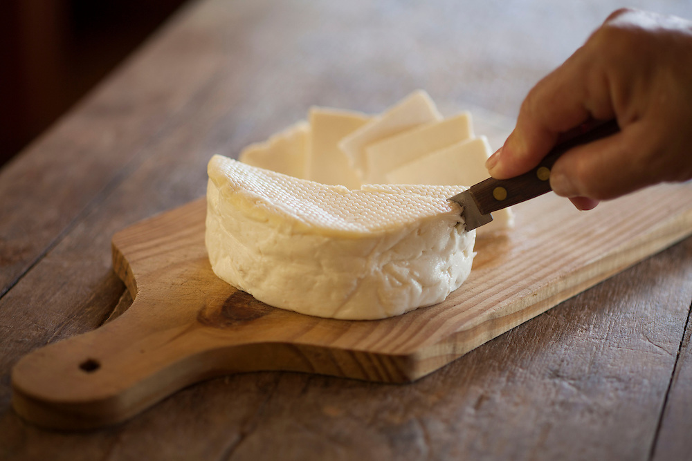 Belo Horizonte_MG, Brasil.<br /> <br /> Detalhes de um queijo.<br /> <br /> Detail of a cheese.<br /> <br /> Foto: JOAO MARCOS ROSA/NITRO