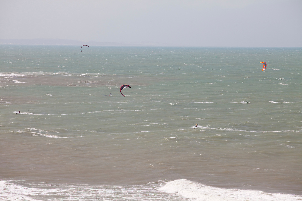 Tibau do Sul_RN, Brasil...Regiao de Pipa. Na foto kitesurf na Praia do Amor em Tibau do Sul, Rio Grande do Norte...The Pipa region. In this photo the kitesurf in the Amor beach in Tibau do Sul, Rio Grande do Norte. ..Foto: LEO DRUMOND / NITRO