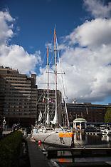 French scientific research vessel Tara-London- 18-9-12 bbb
