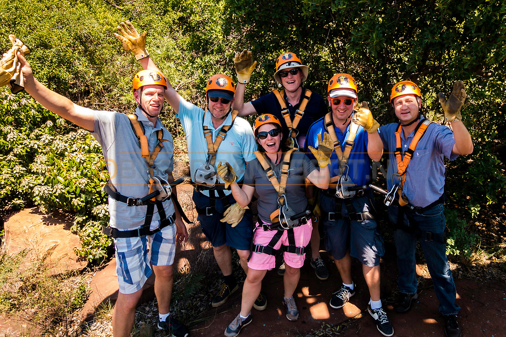 13-02-2016 -  Foto: Gorgeglide Cullinan Extreme Ziplining: Morituri te salutant. Genomen bij Muningi Gorge in Cullinan, Zuid-Afrika. Adventure Zone biedt met Gorgeglide Cullinan Xtreme ziplining met 4 afdalingen over het Muningi Gorge ravijn. Met een verval tot 75 meter kunnen snelheden rond de 90 km per uur worden gehaald. Het record staat op 121 km per uur.
