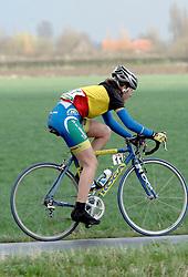 03-04-2006 WIELRENNEN: COURSE DOTTIGNIES: BELGIE<br /> Corine Hierckens de Belgische kampioene eindigde in het peleton<br /> ©2006-WWW.FOTOHOOGENDOORN.NL