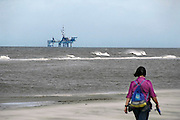Nederland, Ameland, 21-8-2010Boorplatform van de NAM. Er zijn 3 booreilanden en productieplatforms Ameland- Westgat, Ameland-Oost en Noordveld. Foto: Flip Franssen/Hollandse Hoogte