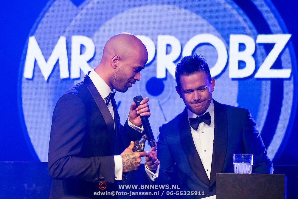NLD/Amsterdam//20140331 - Uitreiking Edison Pop 2014, Johnny de Mol en Mr. Probz