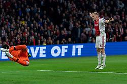 08-05-2019 NED: Semi Final Champions League AFC Ajax - Tottenham Hotspur, Amsterdam<br /> After a dramatic ending, Ajax has not been able to reach the final of the Champions League. In the final second Tottenham Hotspur scored 3-2 / Hakim Ziyech #22 of Ajax, Hugo Lloris #1 of Tottenham Hotspur