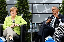 May 25, 2017 - Berlin, Berlin, Deutschland - Angela Merkel und Barack Obama bei einem Podiumsgespräch zum Thema 'Engagiert Demokratie gestalten' auf dem 36. Deutschen Evangelischen Kirchentag vor dem Brandenburger Tor. Berlin, 25.05.2017 (Credit Image: © Future-Image via ZUMA Press)