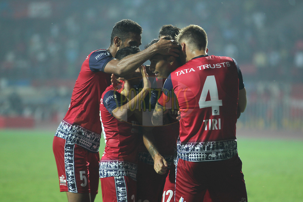 Sumeet Passi of Jamshedpur FC  celebrates the goal with team players during match 25 of the Hero Indian Super League 2018 ( ISL ) between Jamshedpur FC and FC Goa held at JRD Tata Sports Complex, Jamshedpur, India on the 1st November  2018<br /> <br /> Photo by: Deepak Malik /SPORTZPICS for ISL