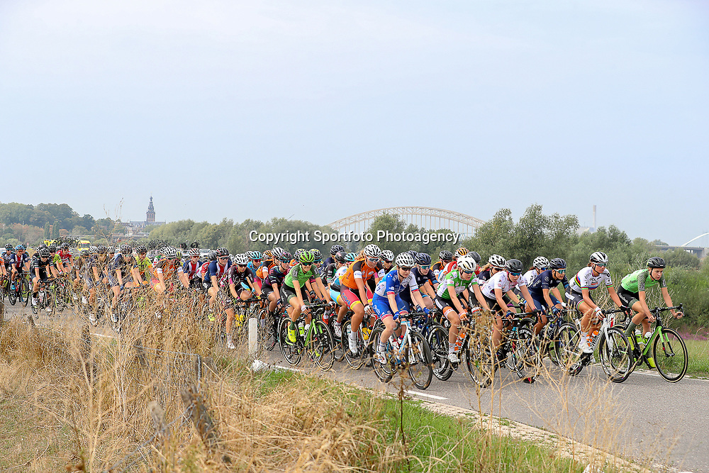 29-08-2018: Wielrennen: Ladies Tour: Nijmegen<br />Peloton verlaat via de Ooijpolder Nijmegen