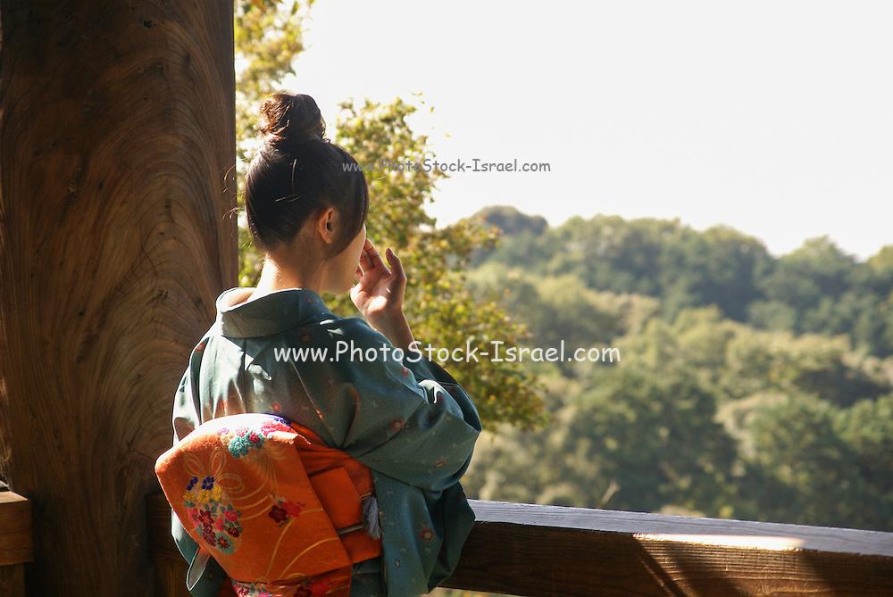 Japan, Honshu, Kyoto, woman in kimono, Kiyomizu-Dera temple,