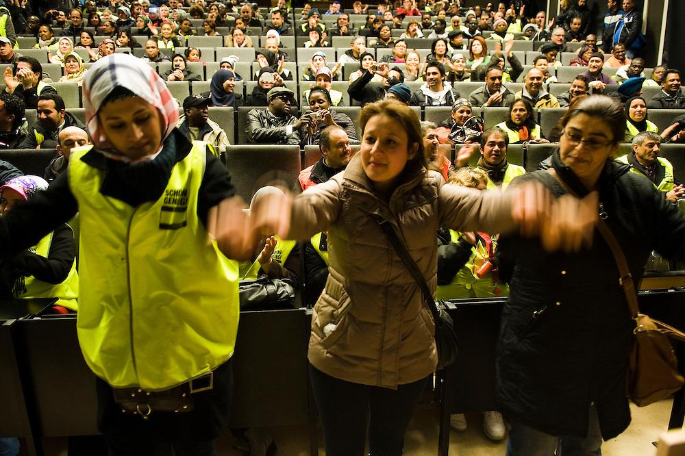 Nederland, Utrecht, 27  feb 2012.Schoonmakers bezetten universiteit van utrecht in het kader van akties voor respect en betere beloning. Sit-in voor respect...Foto(c): Michiel Wijnbergh