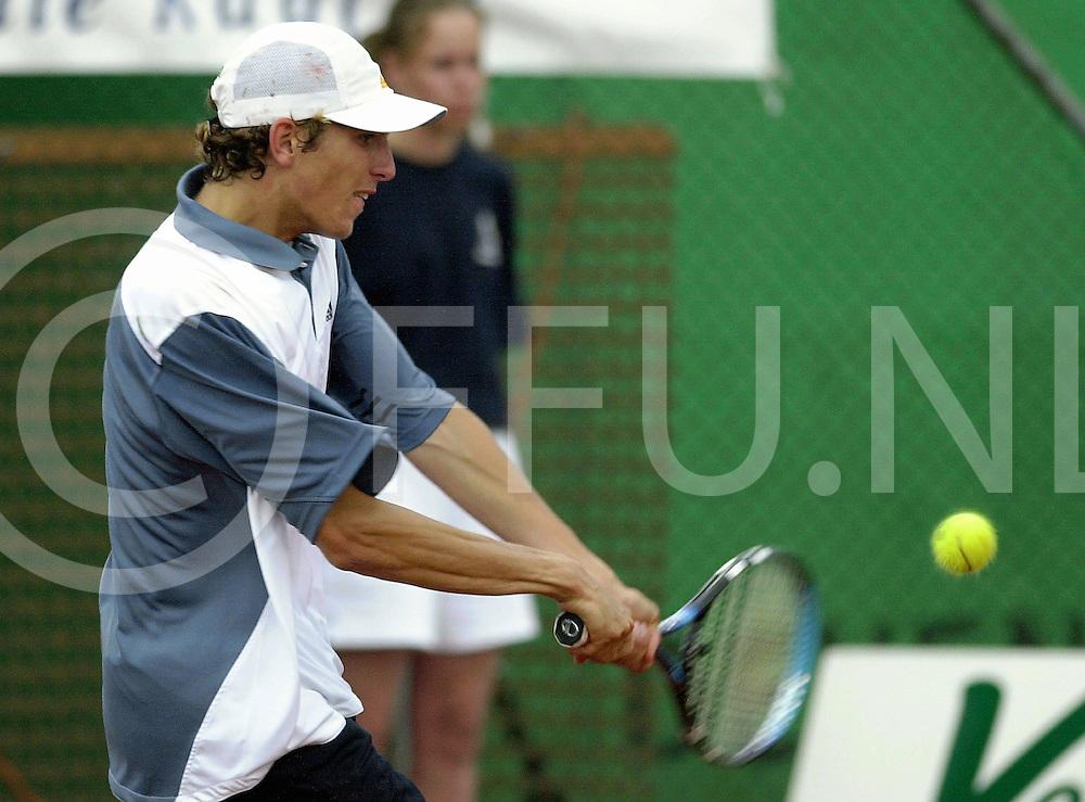 fotografie frank uijlenbroek©2001 frank brinkman.010617 raalte ned.sa1.tennis park ramele.finale partij.foto:dhr bennteau.fu010617_03