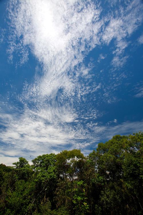 Cabo Frio_RJ, Brasil...Detalhe do ceu com nuvens em Cabo Frio...Detail of sky with clouds in Cabo Frio...Foto: JOAO MARCOS ROSA / NITRO..