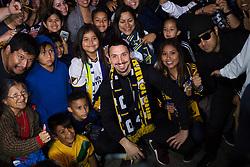 March 29, 2018 - Los Angeles, CA, USA - 180329 Zlatan Ibrahimovic, spelare i MLS-laget LA Galaxy, hälsar pÃ¥ fans när han anlänt till Los Angeles International Airport (LAX) den 29 mars 2018 i Los Angeles  (Credit Image: © Joel Marklund/Bildbyran via ZUMA Press)