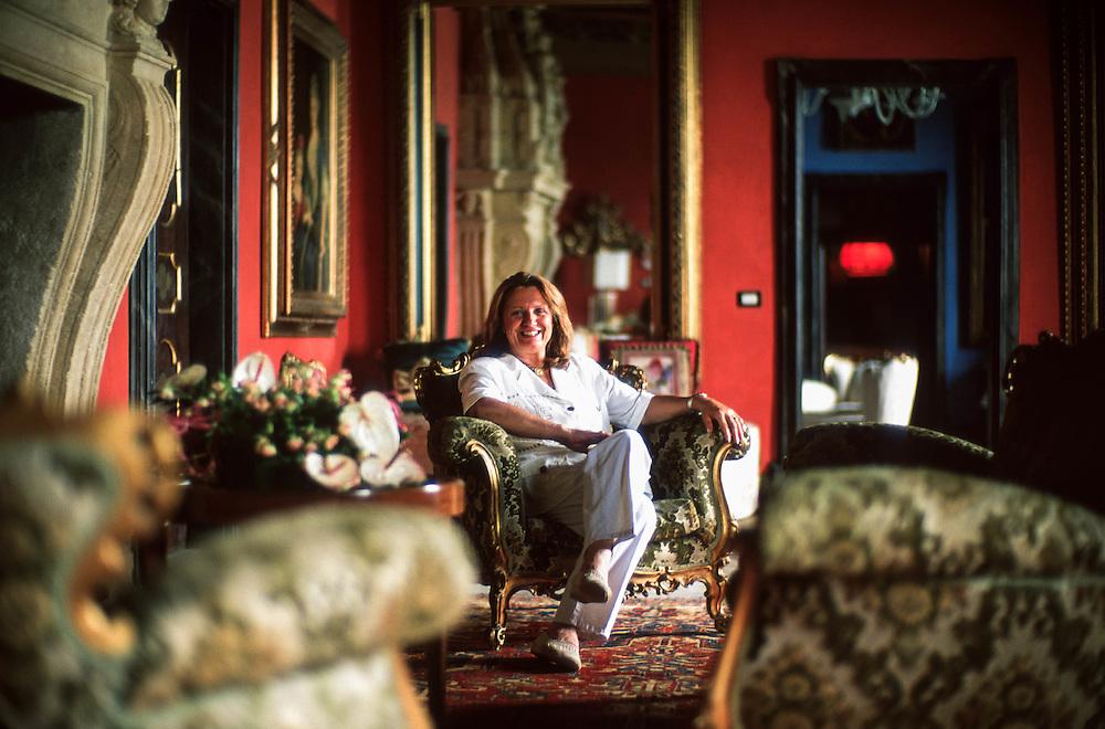 """Vigoleno (Vernasca, PC) - """"I Borghi più belli d'Italia"""" - Barbara Facchetti, proprietaria del castello :-: Vigoleno (Italy) - """"The most beautiful villages of Italy"""" - Barbara Facchetti, owner of the castle"""
